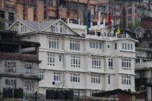 CHAS Sanderling Hotel - Darjeeling