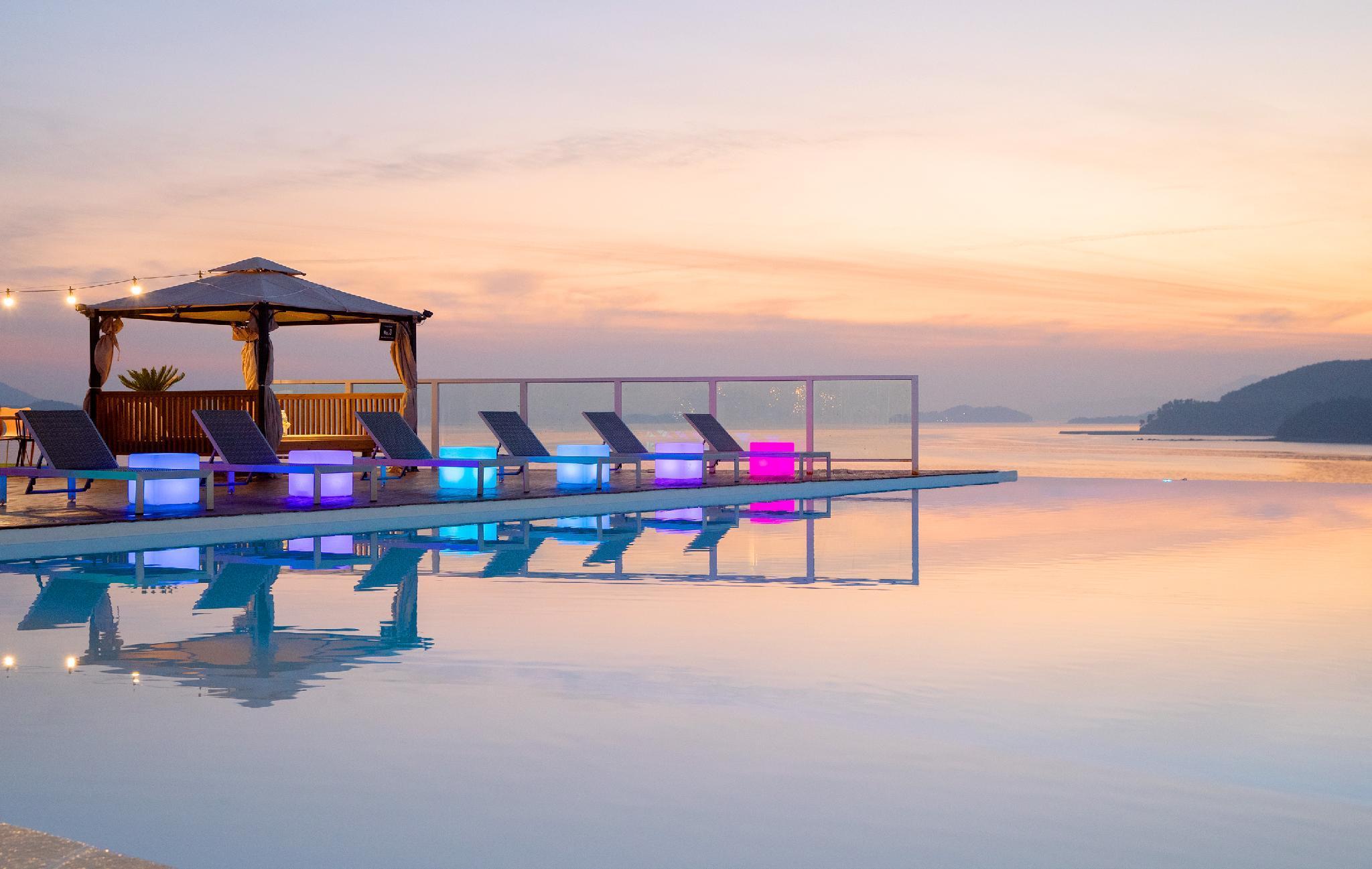 La Terrace Resort And Spa