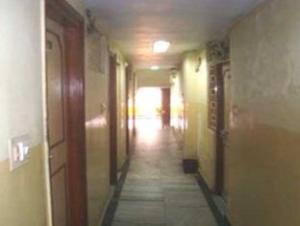 關於外交官飯店 (Hotel Diplomat)