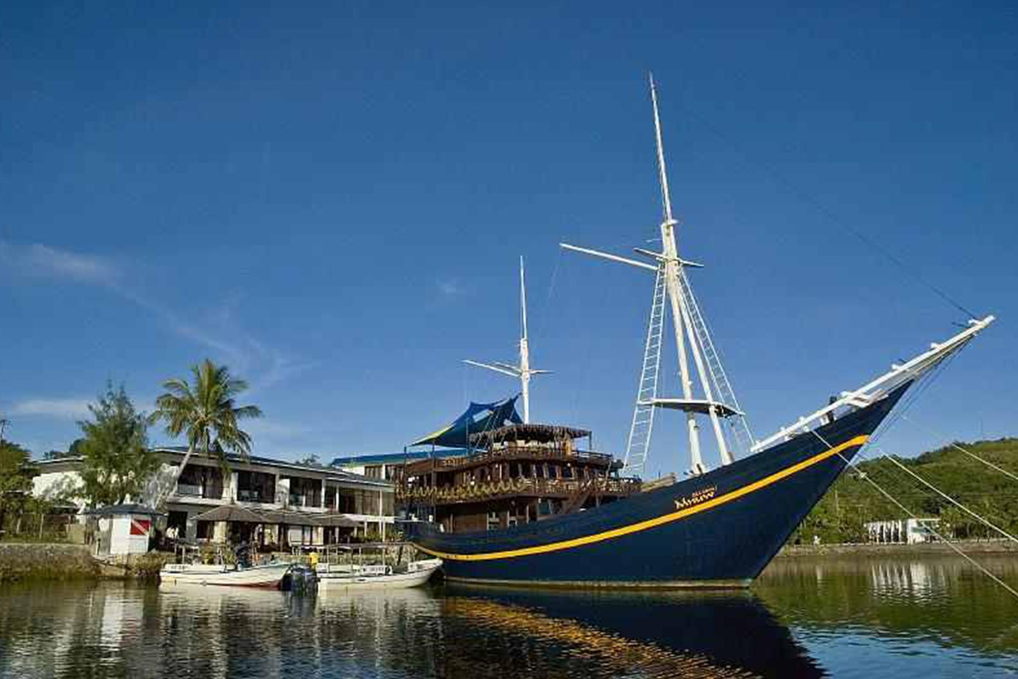 Manta Ray Bay Resort And Yap Divers