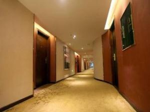 โรงแรมซูเปอร์ 8 กวางโจว นอร์ท ไป่หยุน อเวนิว เมโทร สเตชั่น (Super 8 Hotel Guangzhou North Baiyun Avenue Metro Station)