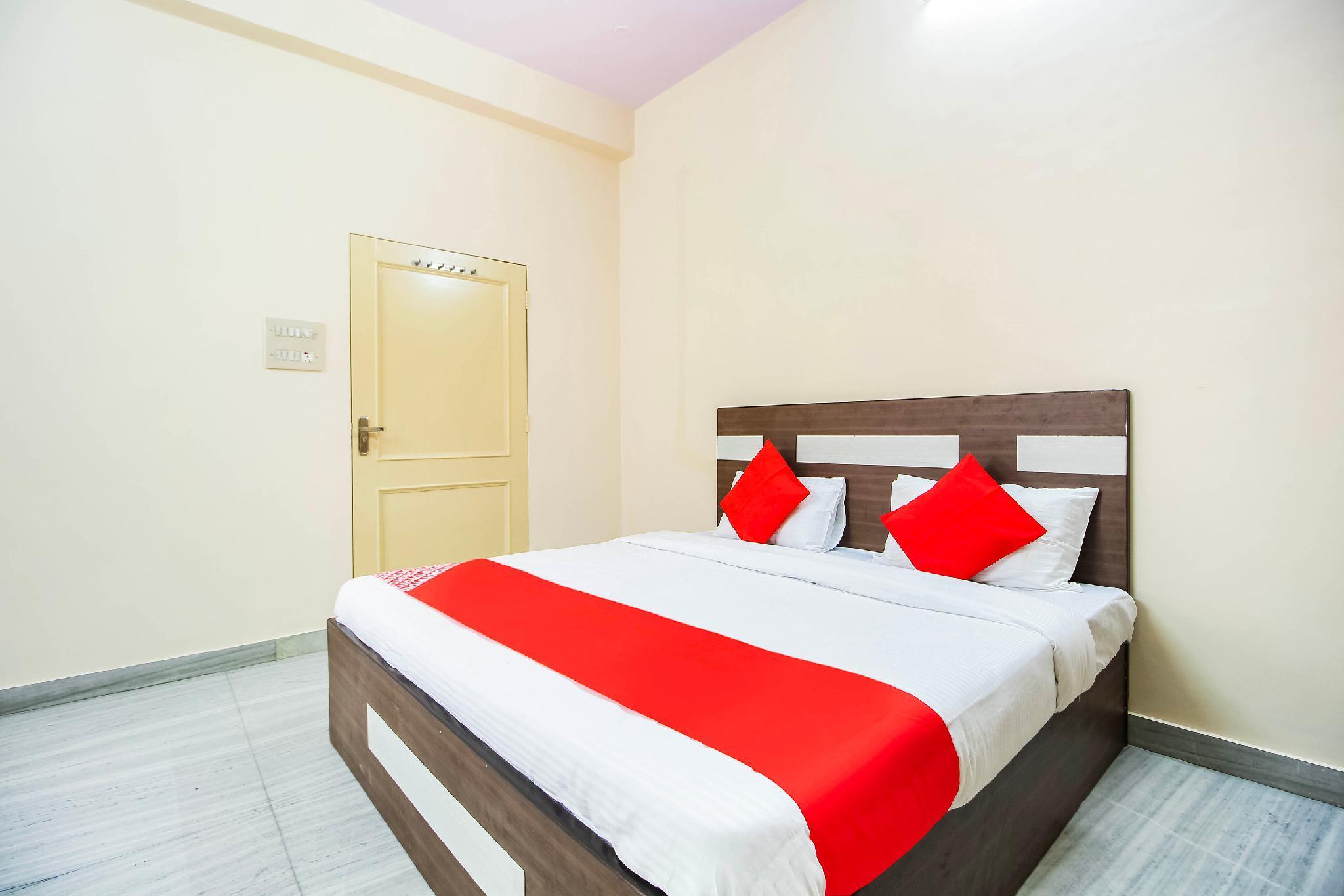 OYO 65530 Rajmegh Palace
