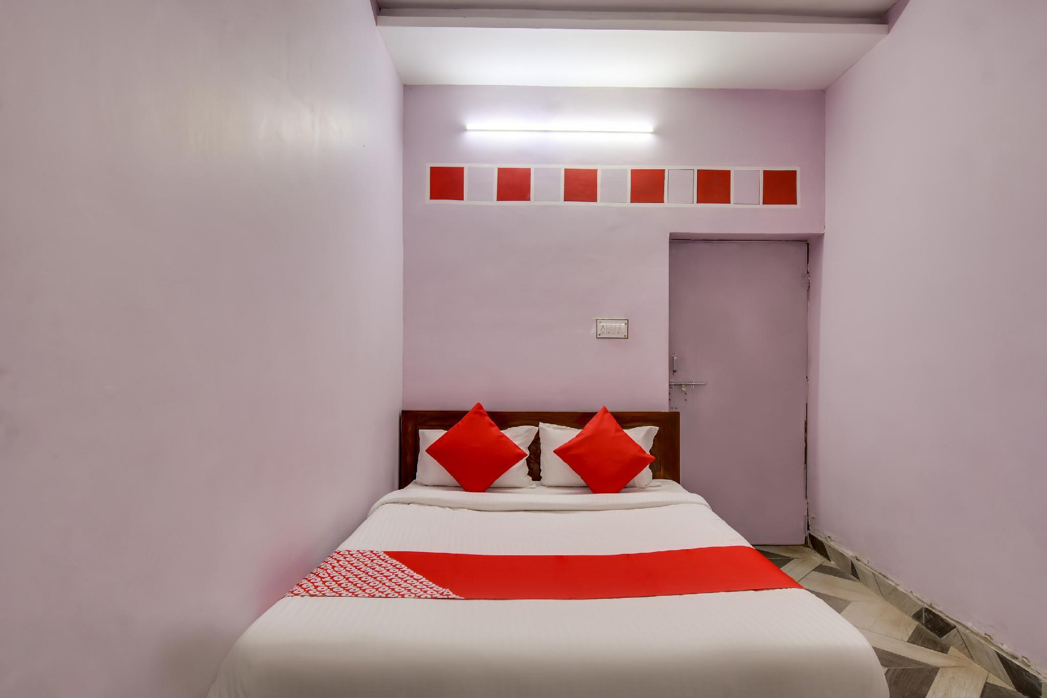 OYO 65573 Hotel Vrindavan And Restaurant