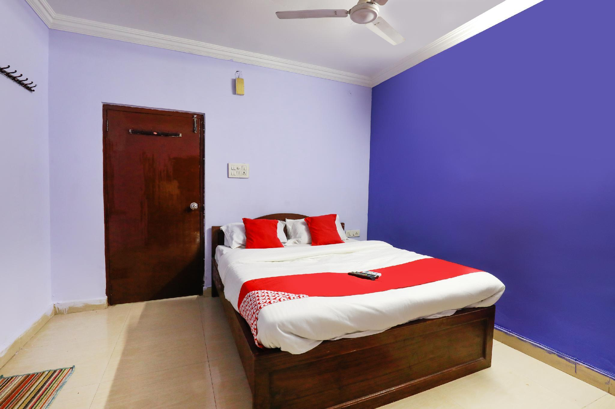 OYO 65280 New Raghava Guest House
