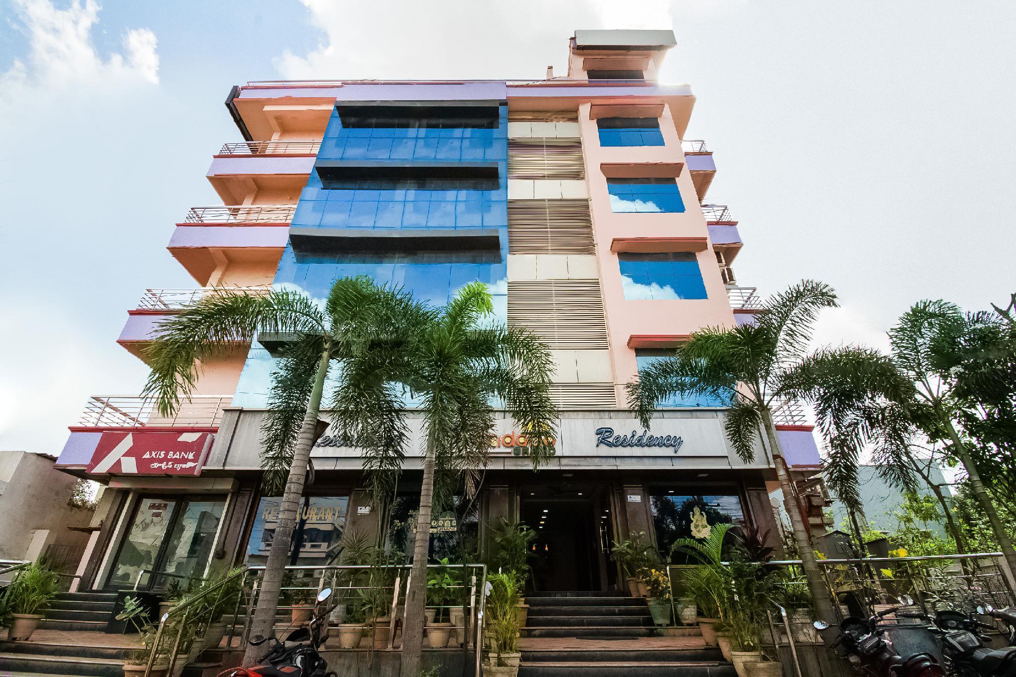 OYO 62964 Hotel Vandana Grand
