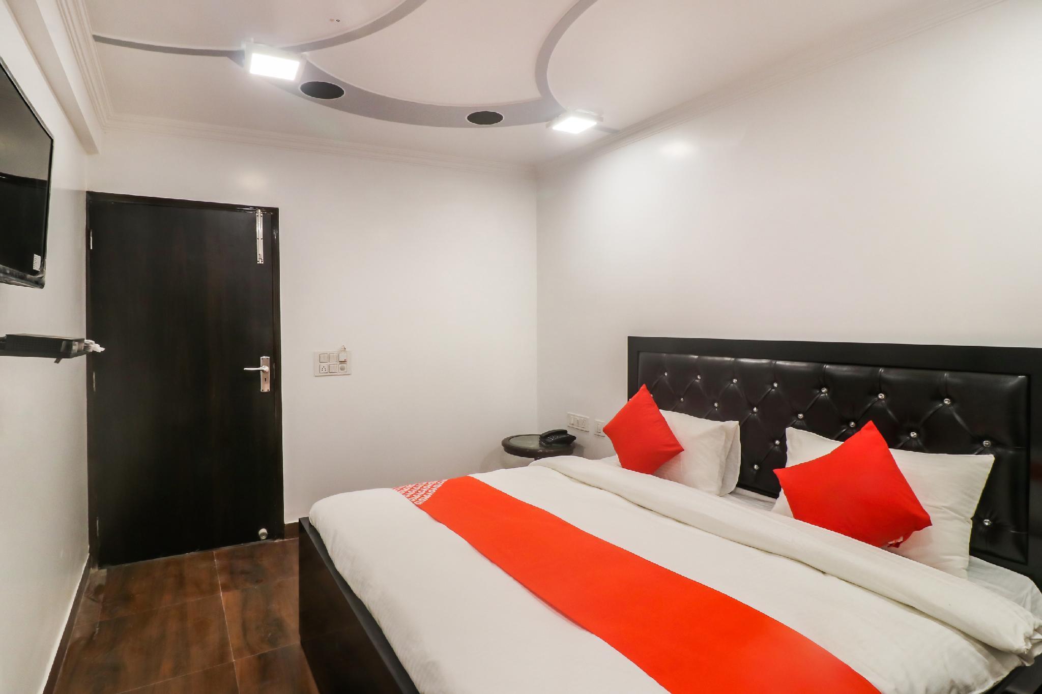 OYO 61545 Sheetal Guest House