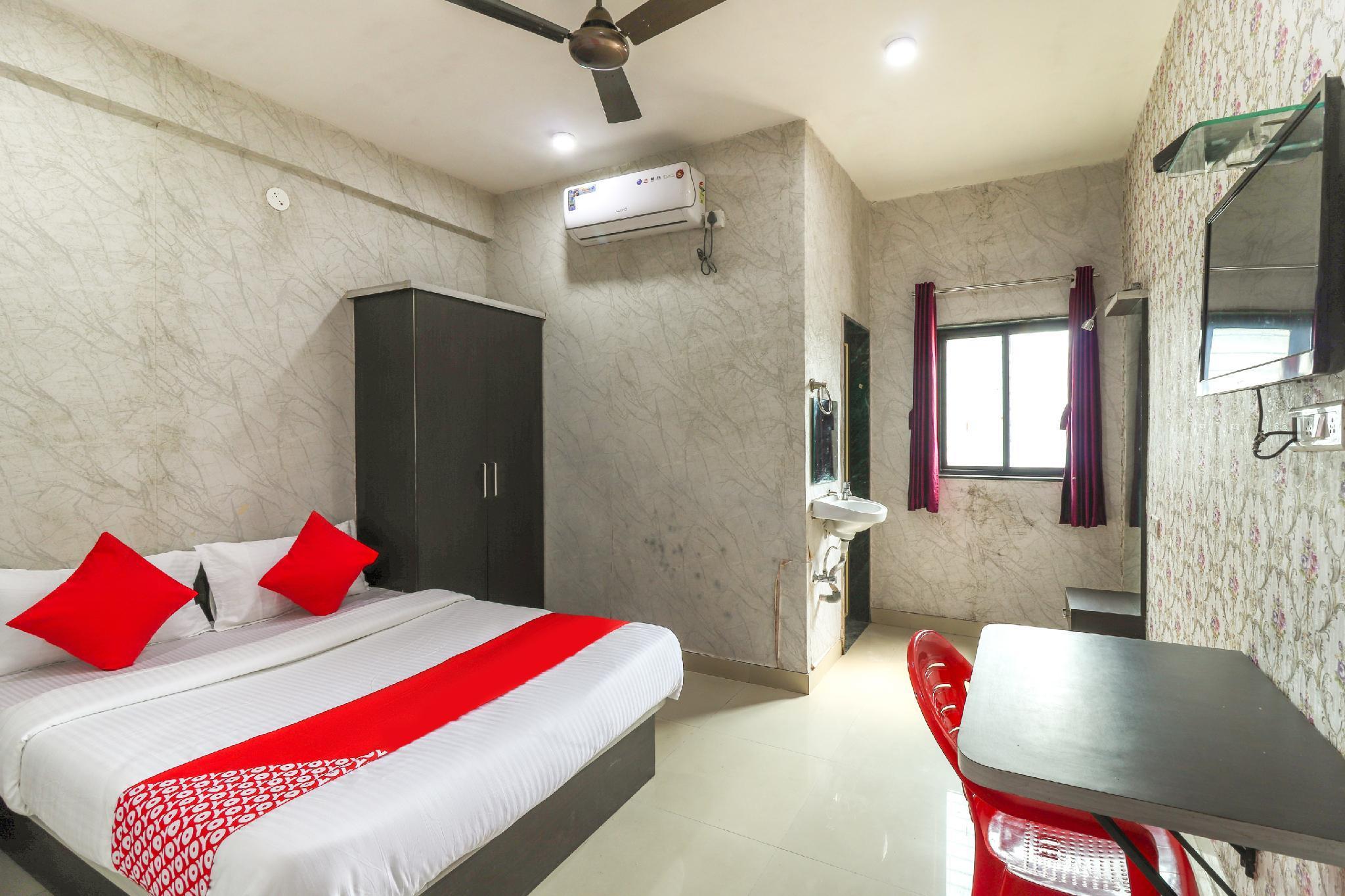 OYO 63926 Hotel Chintamani