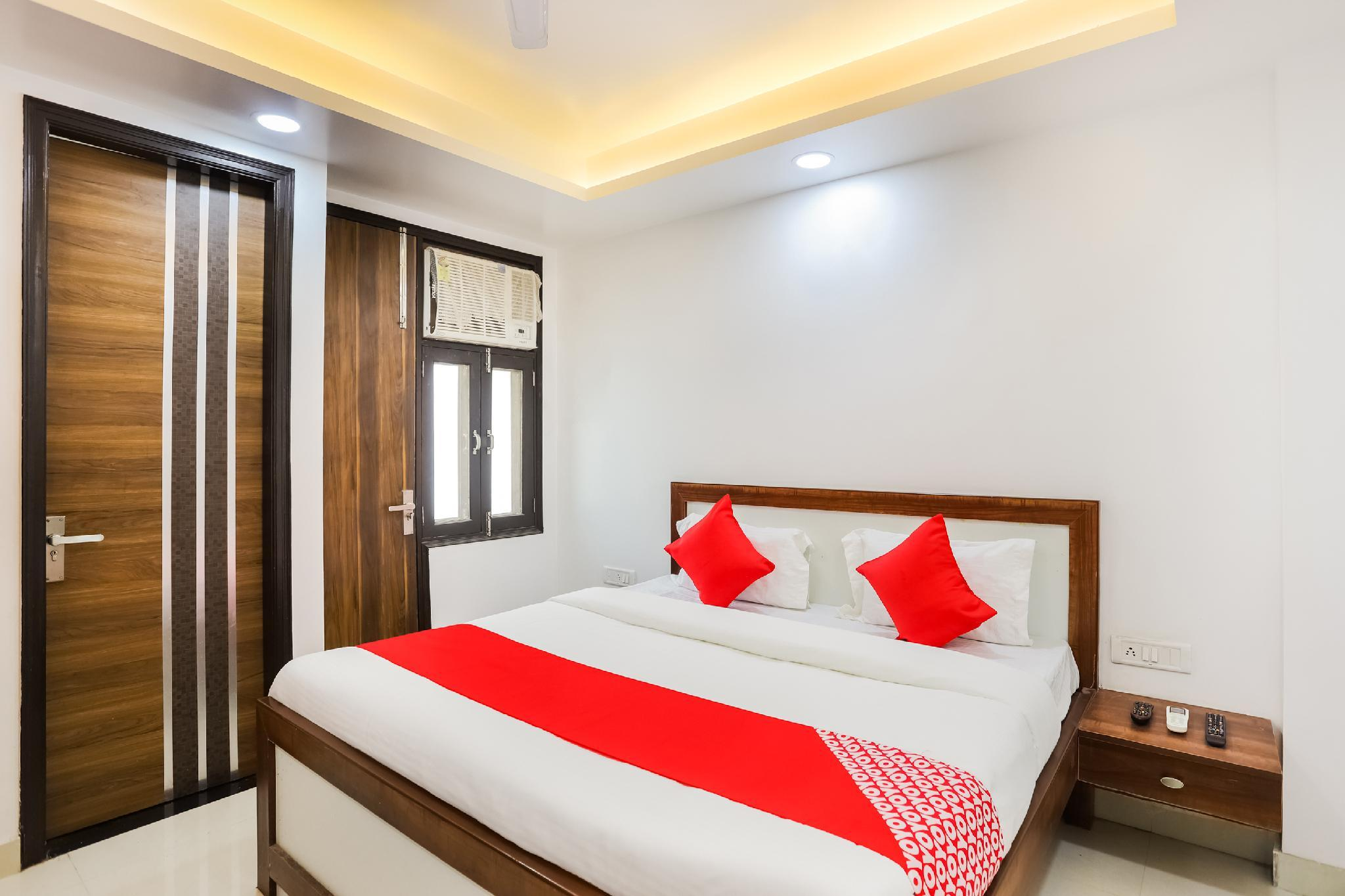 OYO 65986 Pari Residency