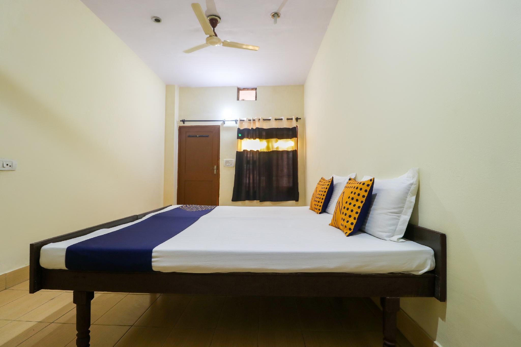SPOT ON 63031 Lucky Guest House