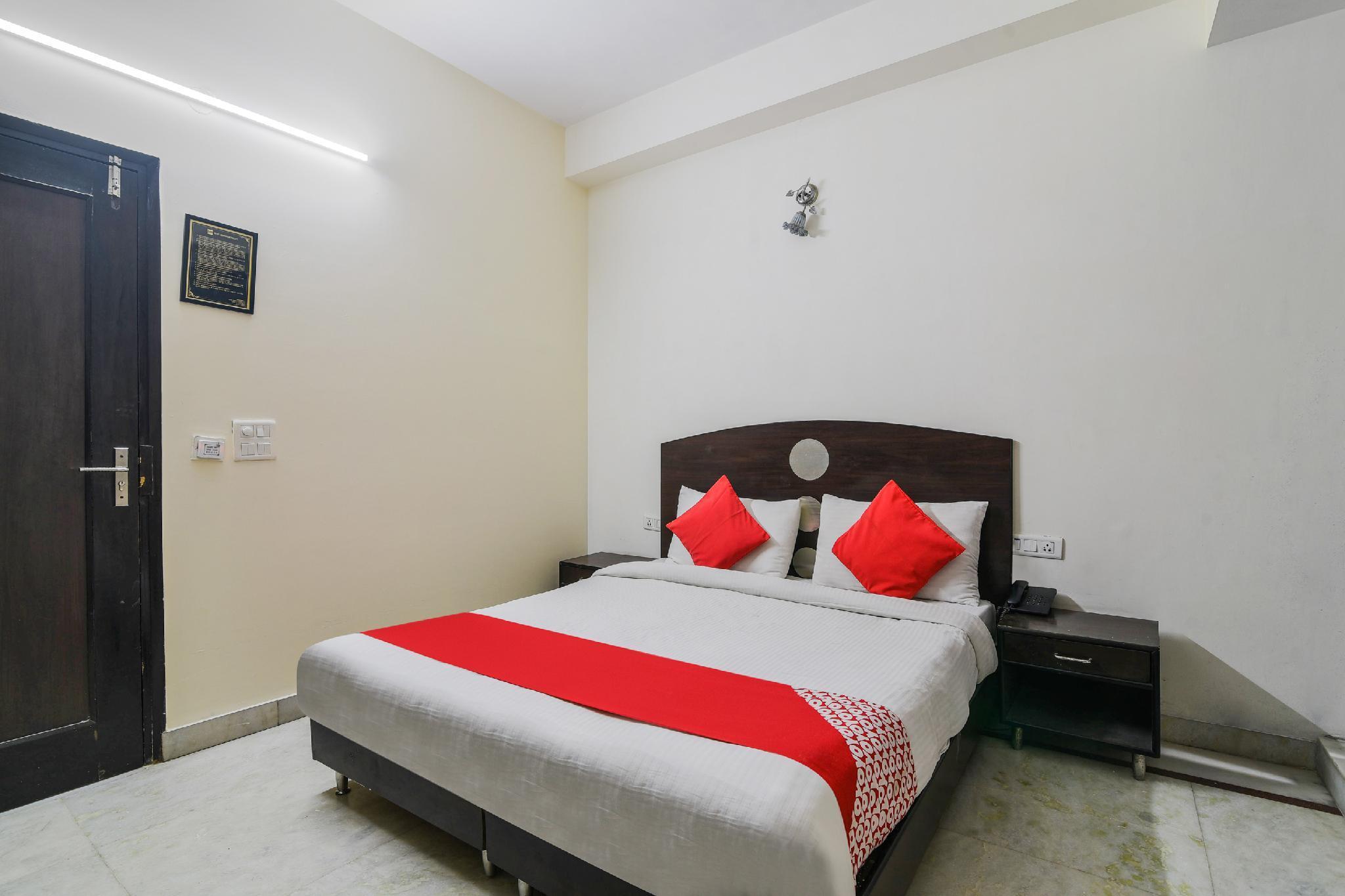OYO 12090 Hotel Mandakini Palace