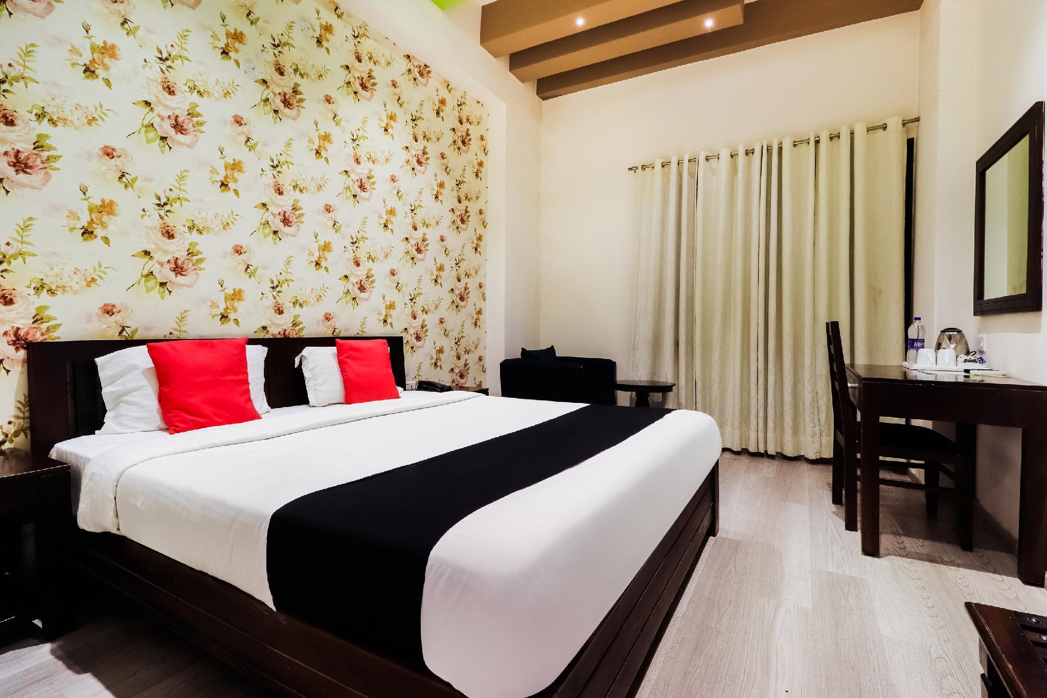 Capital O 46940 Hotel Vrindavan