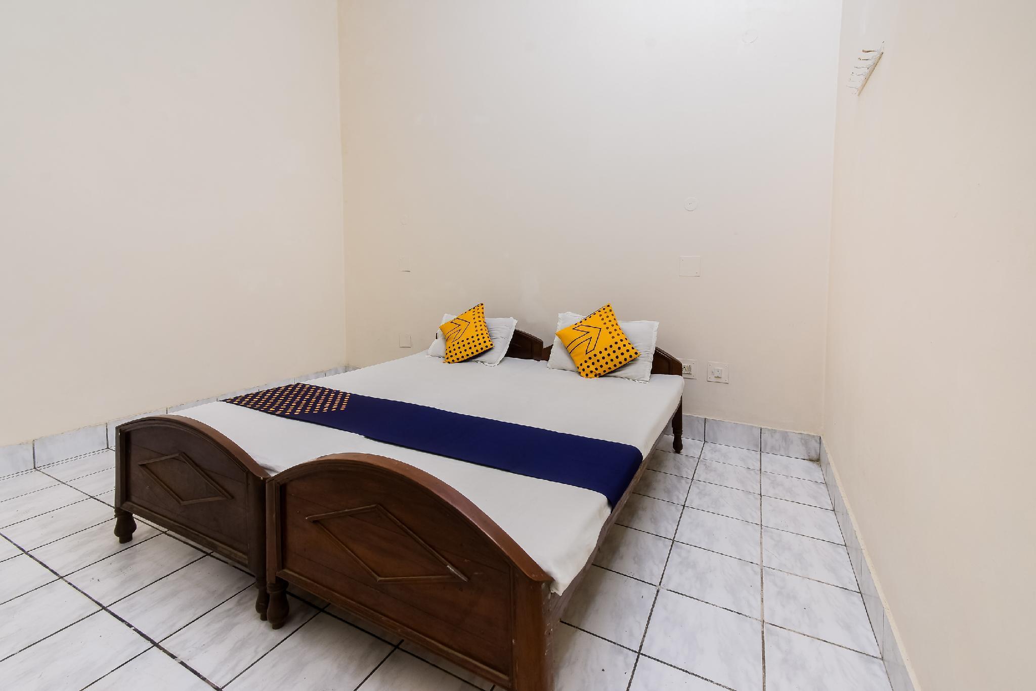 SPOT ON 65838 Hotel Geetanjali