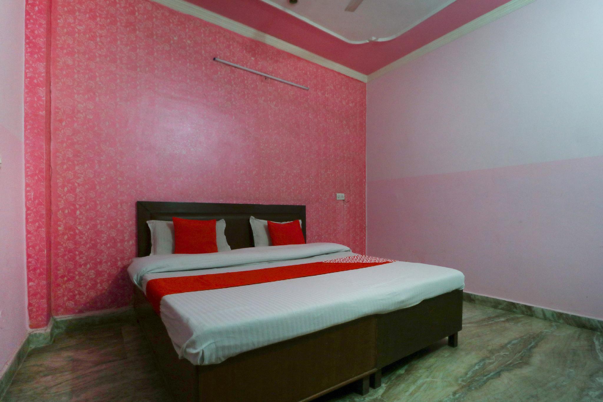 OYO 65698 Hotel Rohan Palace