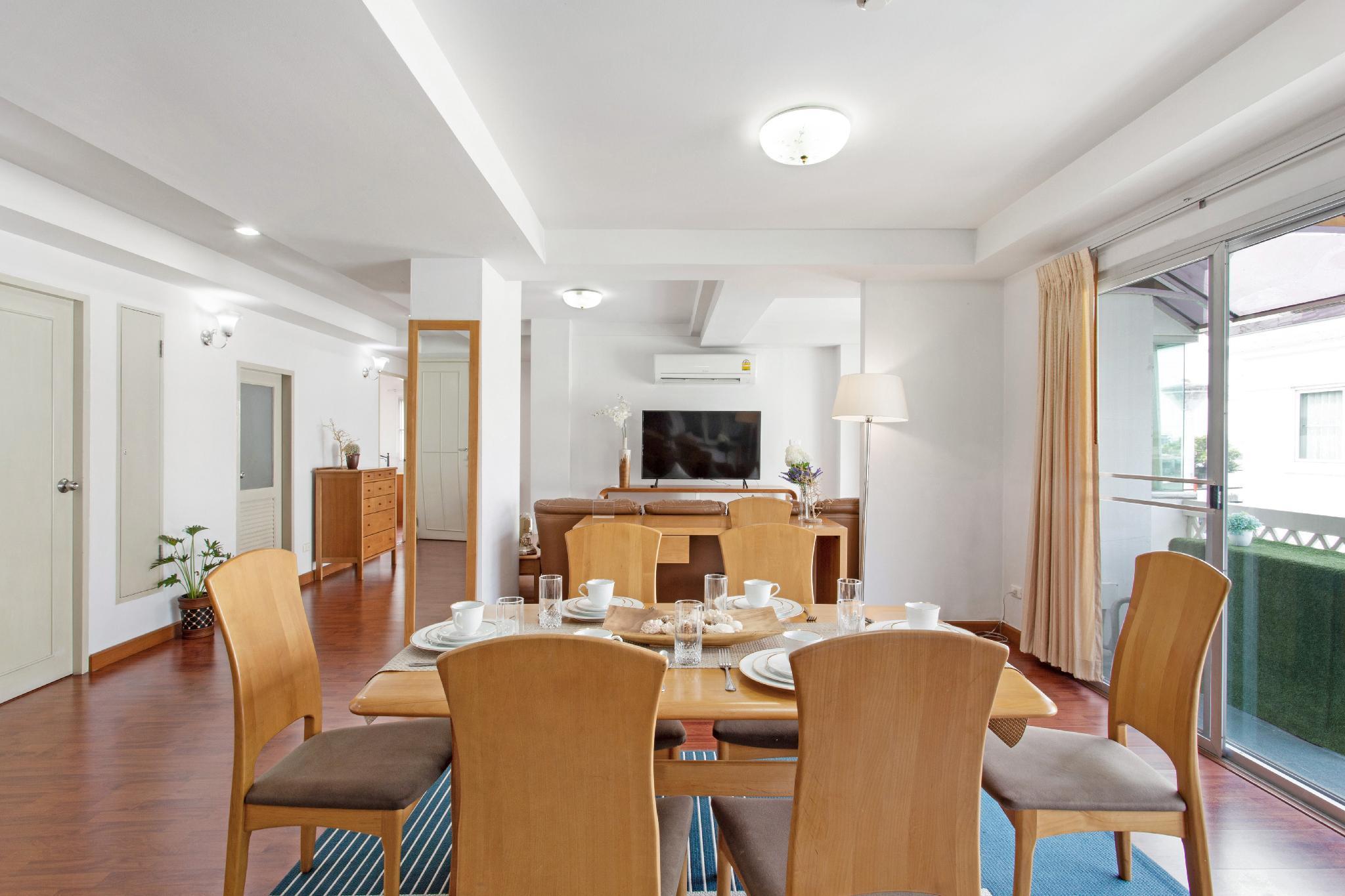 3 Bedroom Penthouse Near Airport Link Hua Mak  D1