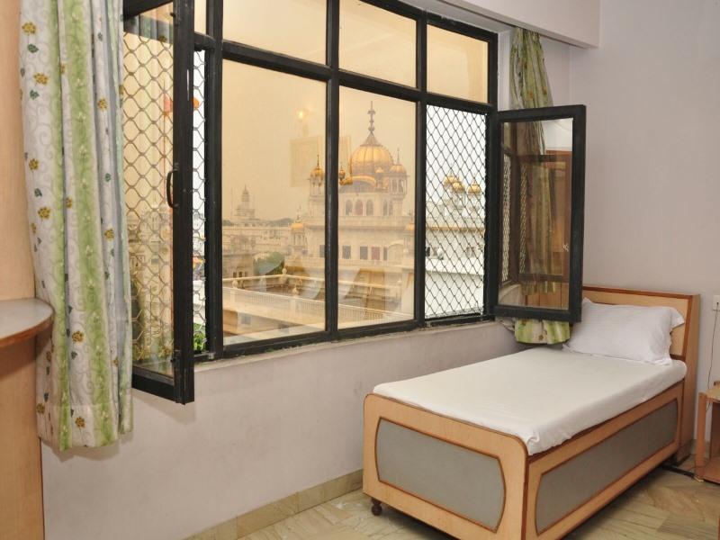 Review Hotel Mercury Inn by Sonachi
