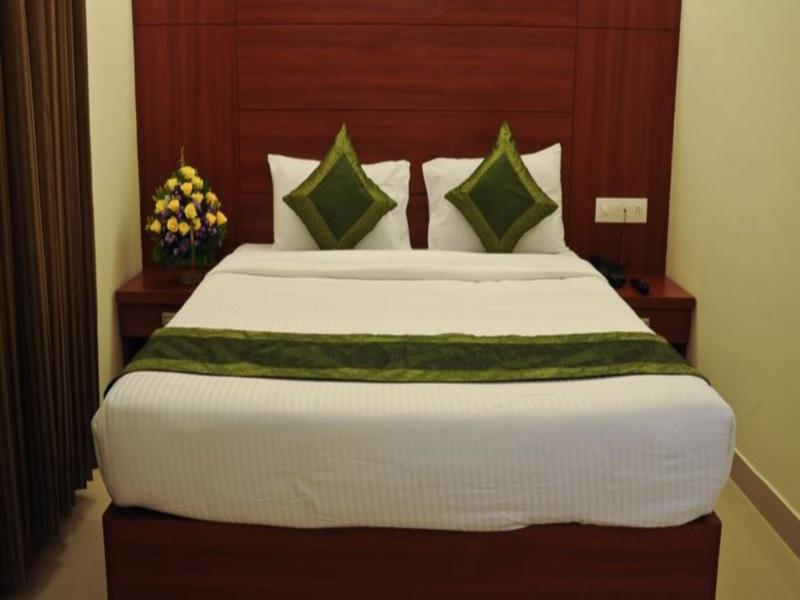 Review Hotel Treebo Golden Castle