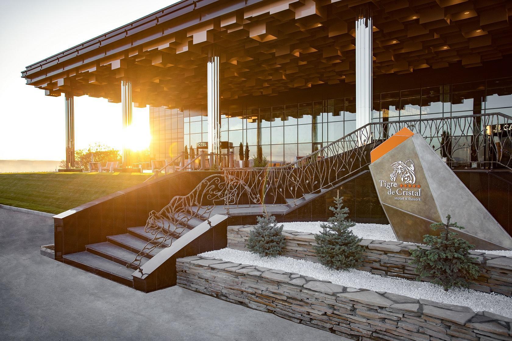 Tigre De Cristal Resort And Casino