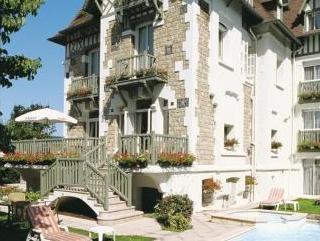 Villa Augeval Hotel De Charme And Spa
