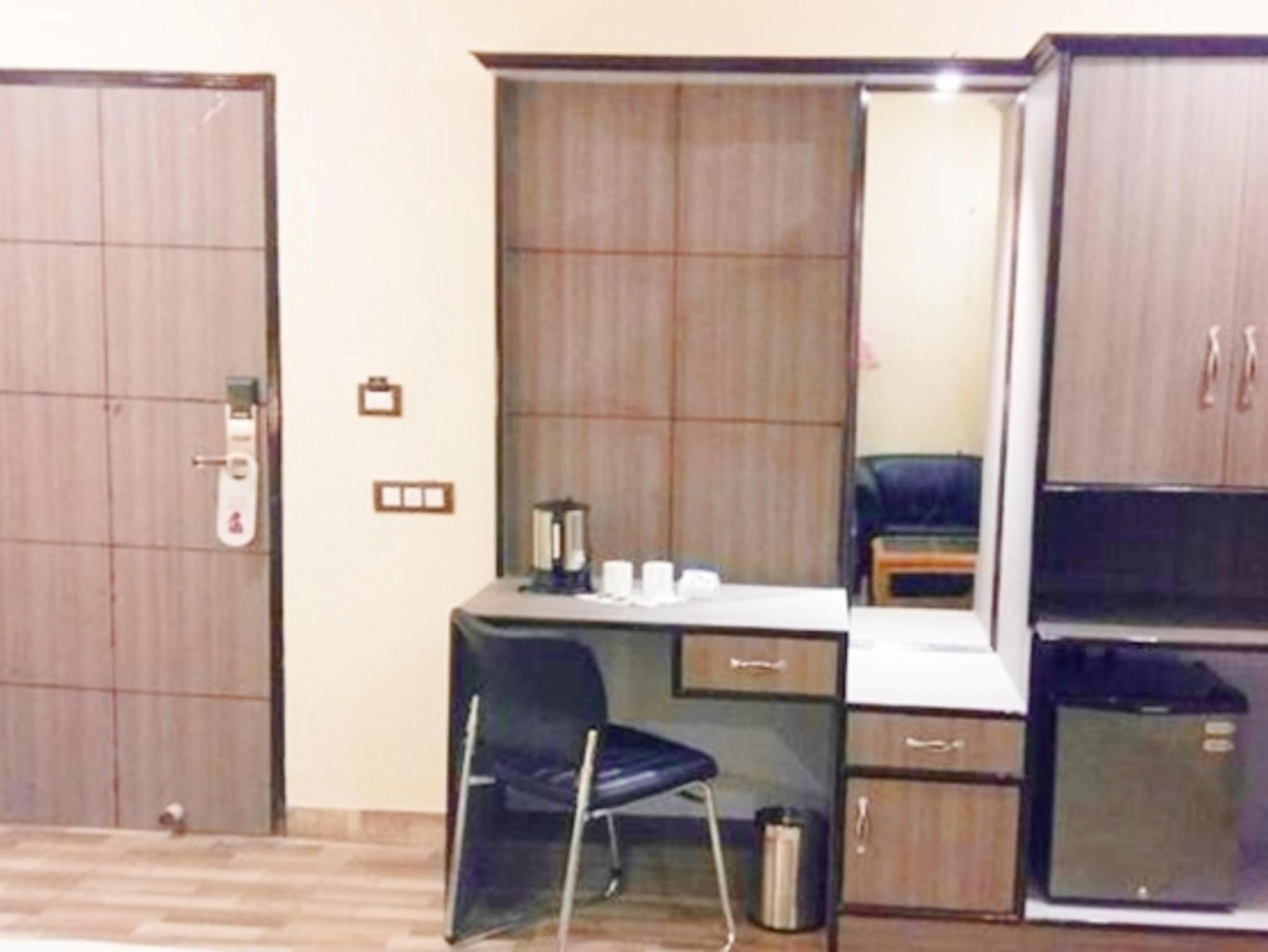 Price GenX Plaza-Mughalsarai