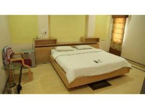 Vista Rooms near Shri Sai Nagar