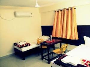Vista Rooms near Niloufer Hospital