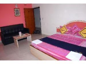 Vista Rooms @ Rajkamal Talkies Road