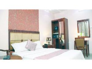 Vista Rooms @ Ashoka Road