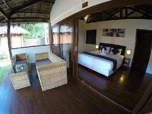 picture 4 of Last Frontier Beach Resort