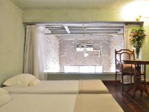 Wayla Hostel