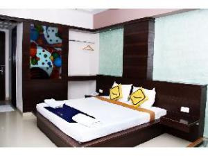 Vista Rooms @ Omalur Main Road