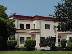 STARiHOTELS Bhiwadi
