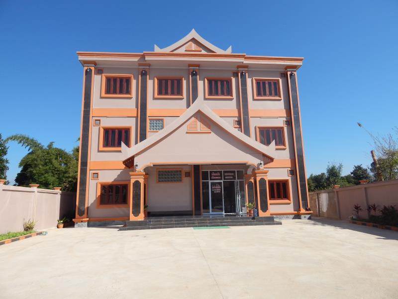 Khemphonelor Guesthouse