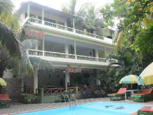 Classic De Ever Green Resort