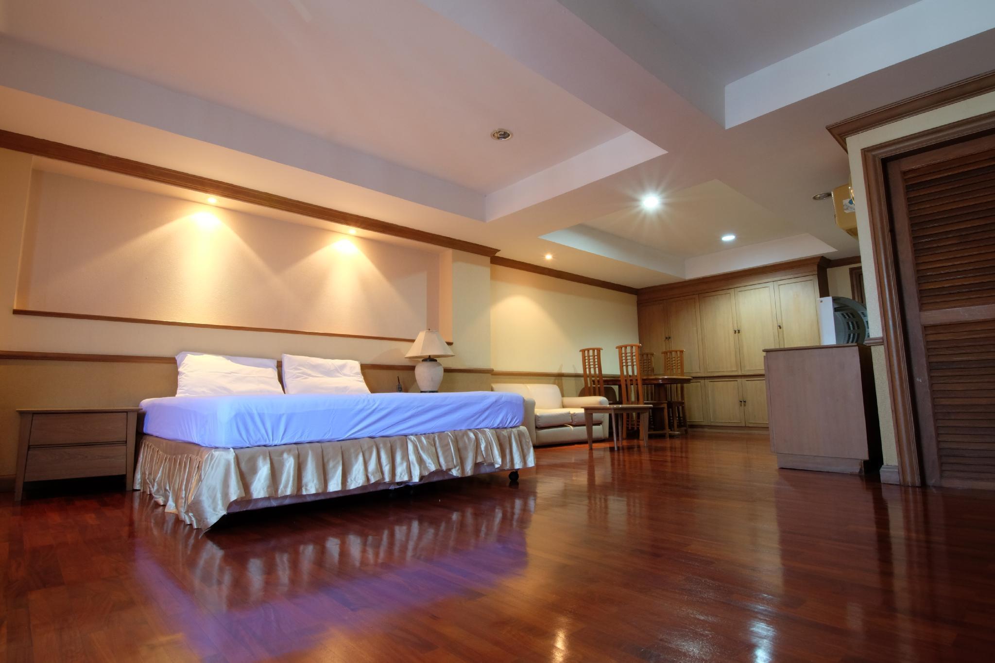 โรงแรมอะลาเมดา สวีท