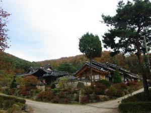 Hyojongdang Hanok Stay