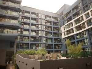 Acqua Condominium by Mr.Butler
