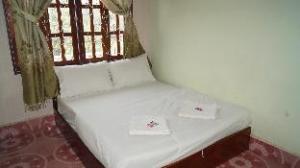 Over SL Hotel (SL Hotel )