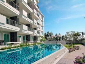 The Sea Condominium Sam Roi Yod Room 204