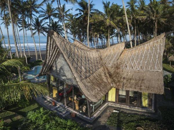 Absolute Beachfront Romantic Villa Laut Bali