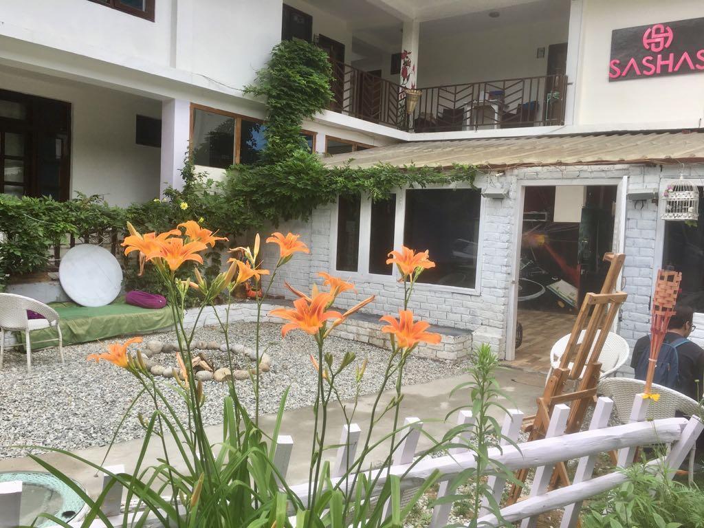Sashas Hotel