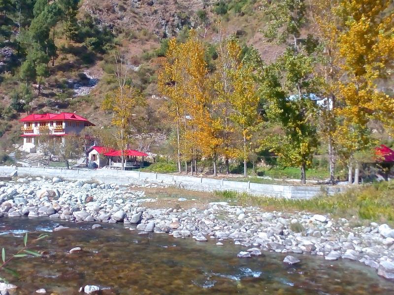 Devat Farm Cottages Tirthan Gushaini