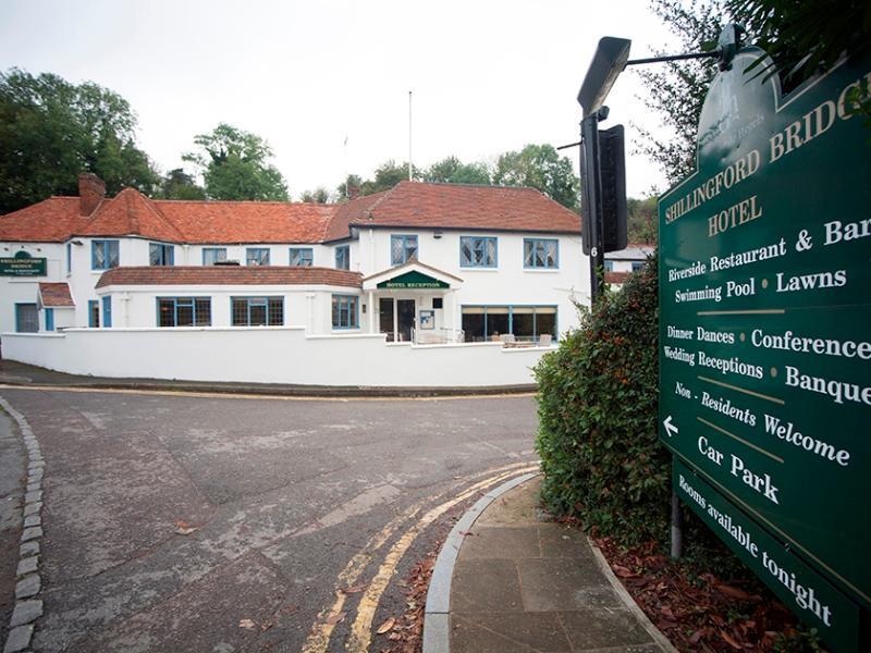 Shillingford Bridge Hotel