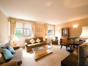 The Mansions at Earls Court 2 Bedroom Apartment 3