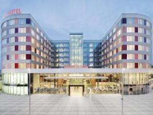 Про Movenpick Hotel Stuttgart Airport & Messe (Movenpick Hotel Stuttgart Airport & Messe)