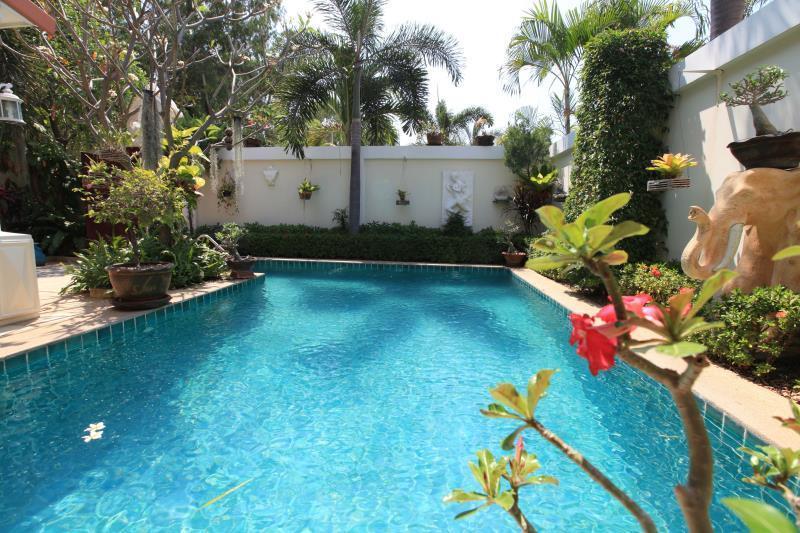 Majestic Residence by38 Pool Villa Pattaya มาเจสติก เรสซิเดนซ์ บาย38 พูล วิลลา พัทยา