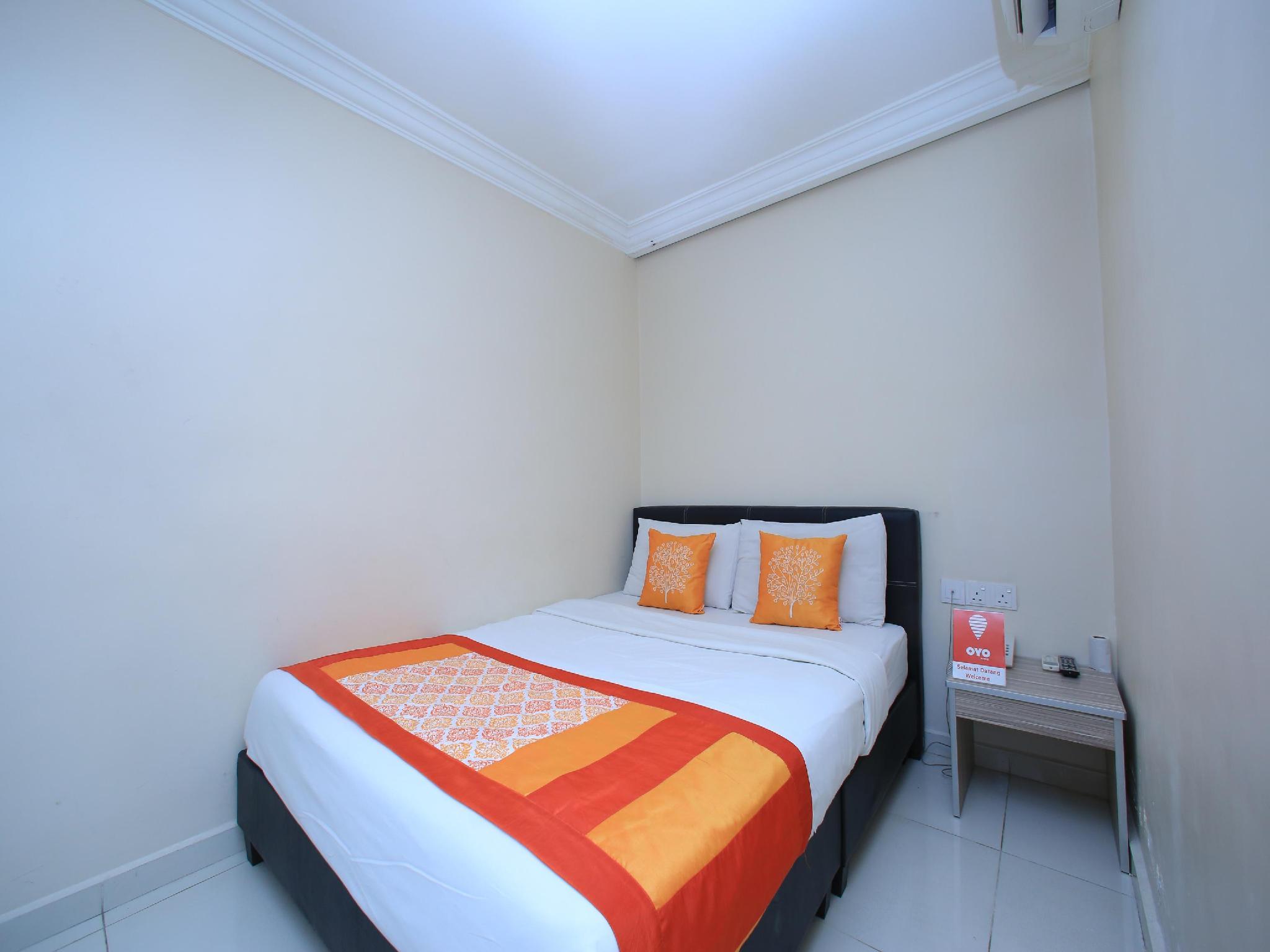 OYO 115 Hotel Safari 1