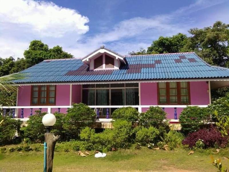 Baan Tonkatin Resort