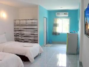 Blue Hip Apartment