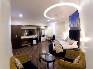 Hotel Heavens View