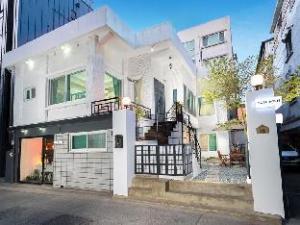 Mono House Hongdae 2